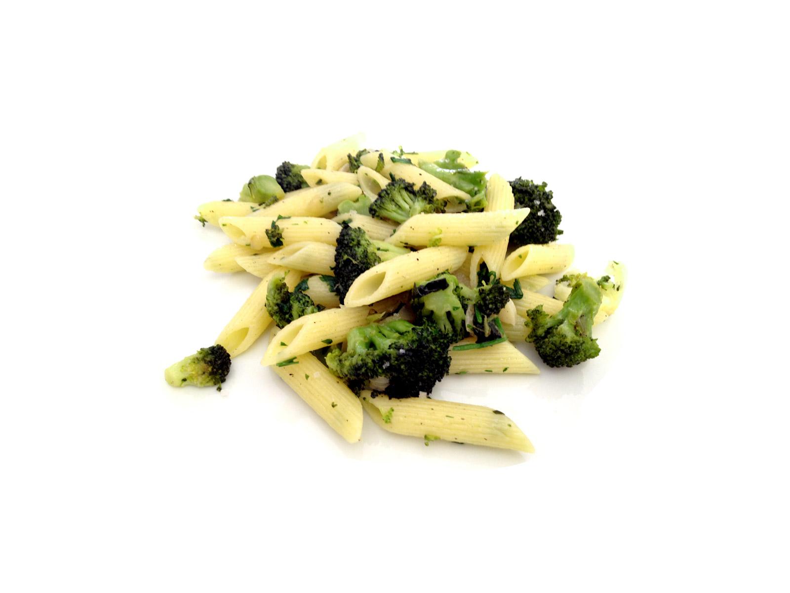 Penne integral com brócolis