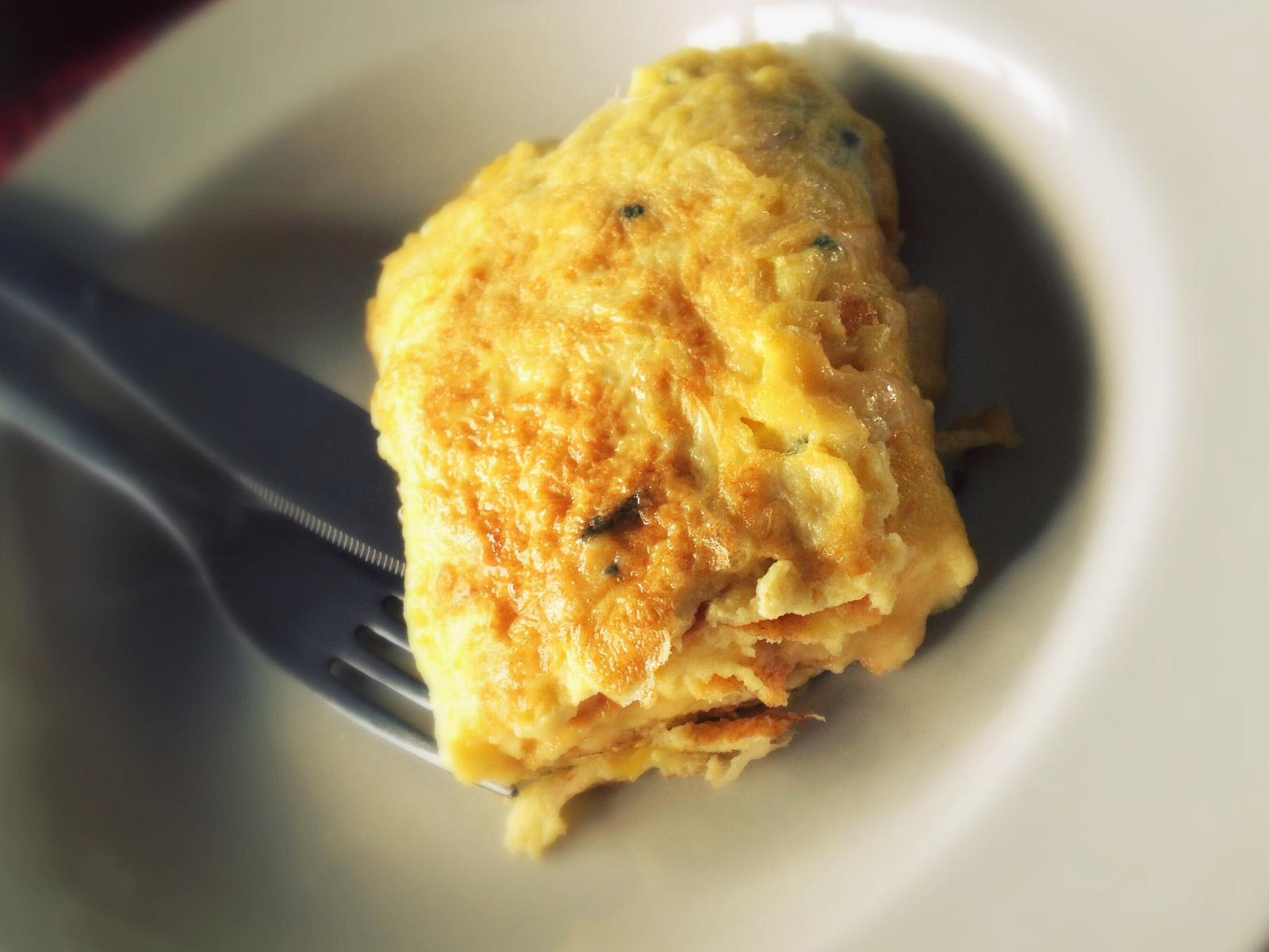 Omelete quatro queijos